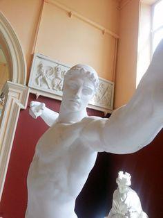 Jazsus_ur_lookin_well Statues Selfie