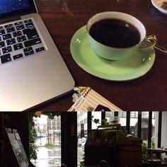 雨の午後に薫り高い濃いめの珈琲、仕合わせ