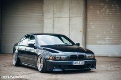 BMW What my ride could look like with a little effort. Bmw 528i, Bmw E39, Bmw Motors, Bmw Performance, Good Looking Cars, Bmw Classic, Bmw 5 Series, Driving School, Ford