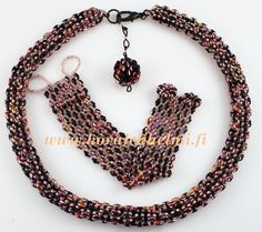 Necklace and bracelet made of SuperDuos and Toho seed beads.