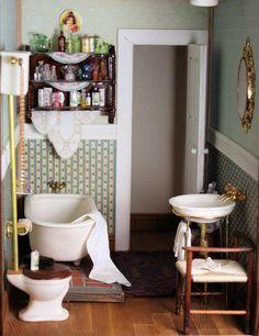 mini vintage bathroom fixtures, nice shelf too
