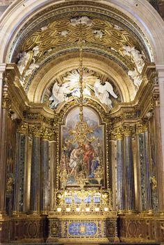 Igreja de São Roque Lisbon. - Construída no séc. XVI, a partir de 24 de Março de 1506, sob o orago de São Roque, protector dos doentes da peste, foi Sagrada em 25 de Fevereiro de 1515, pelo Bispo D. Duarte.
