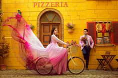 Top ideas for south indian wedding couple poses Pre Wedding Shoot Ideas, Pre Wedding Poses, Pre Wedding Photoshoot, Wedding Couples, Wedding Pictures, Wedding Blog, Post Wedding, Indian Wedding Poses, Wedding Themes
