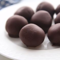 Looking for an easy dessert recipe? This Chocolate covered Peanut Butter Balls recipe is so easy to make and taste great. Peanut butter balls recipe taste amazing for any occasion. Try this simple Peanut butter balls recipe today! Top Recipes, Candy Recipes, Dessert Recipes, Dinner Recipes, Recipies, Brownie Cookies, Peanut Butter Recipes, Easy Peanut Butter Balls, Keto Peanut Butter Cookies