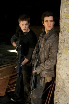 Falling Skies Preview: Young Bloods | Three If By Space