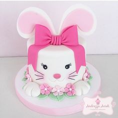 Easter Bunny Cake ideas are here. Easter desserts should be surprising & here are the best Easter Bunny Cake Pattern, pictures, recipes & ideas. Bunny Birthday Cake, Easter Bunny Cake, Easter Cookies, Easter Party, Girly Birthday Cakes, Bunny Party, Baby Cakes, Girl Cakes, Cupcake Cakes
