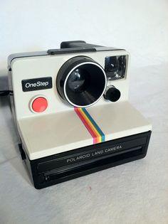 Vintage Polaroid Camera by ZassysTreasures on Etsy Polaroid Foto, Vintage Polaroid Camera, Polaroid One Step, Vintage Cameras, Polaroid Cameras, Camera Art, Fujifilm Instax Mini, Instax Mini 8, Fuji Instax