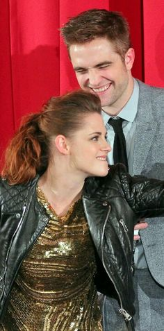 Kristen Stewart & Rob Pattinson at the Breaking Dawn 2 Premiere in Berlin - November 2012