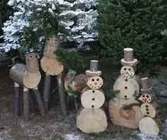 Do you love DIY projects that you can do around the home and yard? We& found some beautiful wood and log projects that we're sure you are going to love! Wood Log Crafts, Christmas Wood Crafts, Christmas Projects, Holiday Crafts, Christmas Crafts, Christmas Decorations, Christmas Tables, Nordic Christmas, Modern Christmas
