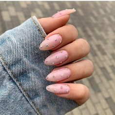 10 Creative Nail Designs for Short Nails to Create Unique Styles Almond Acrylic Nails, Almond Shape Nails, Best Acrylic Nails, Almond Nail Art, Nails Shape, Natural Almond Nails, Long Almond Nails, Summer Nails Almond, Cute Almond Nails