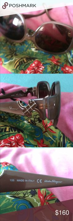 Gorgeous 🕶 Ferragamo sunglasses  🕶 In excellent near new condition . They only come with  floral glasses  sack not original  but it was new .  This item come from smoke free home. Authentic : serial number shown Ferragamo Accessories Glasses