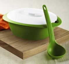 PERFECT FOR CHILI AND SOUP!  Tupperware | Tupperware Essentials Soup Server with Ladle