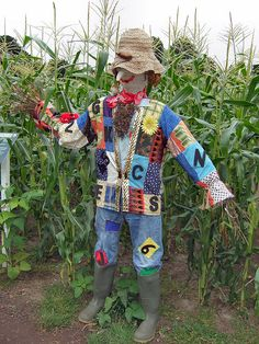 prim scarecrow  Now this is my kind of scarecrow. I love the year round garden friends
