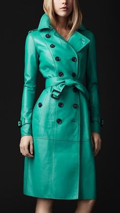 <3 turquoise trench
