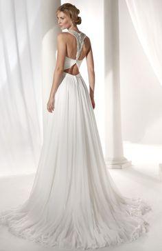 fb441e1a322 Courtesy of Nicole Spose wedding dresses  www.nicolespose.it en Maggie  Sottero