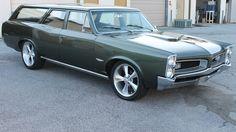 1966 Pontiac  Wagon 400/428 HP, Dual Quads presented as lot T54 at Kissimmee, FL