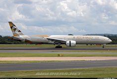 Etihad Airways Boeing 777-3FX/ER
