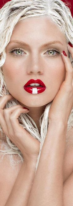 Photograph by David Benolie.  #makeup
