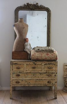 Lovely shabby distressed painted chest of drawers, vintage quilt & overmantle mirror