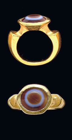 A ROMAN GOLD AND EYE AGATE FINGER RING  CIRCA 2ND-3RD CENTURY A.D.