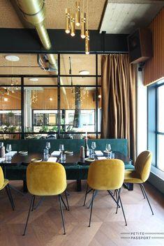 Inspiratieboost: fluwelen eetkamerstoelen voor een koninklijke look - Roomed