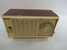 General Electric Table Top Radio