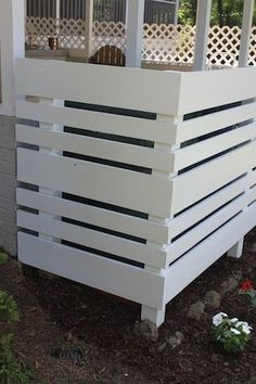 conceal garbage cans/AC/pool equipment and outdoor shower (outdoor compost bin pallets) Ac Unit Cover, Ac Cover, Outdoor Spaces, Outdoor Living, Outdoor Decor, Outdoor Ideas, Backyard Ideas, Outdoor Projects, Home Projects