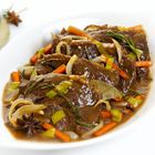 Sukade gestoofd in bokbier Dutch Recipes, Beer Recipes, Meat Love, Multicooker, Slow Cooker Beef, Stew, Food And Drink, Yummy Food, Meals