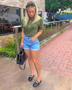 {Classy And Elegant Summer Outfits Classy Shorts Outfits, Classy Work Outfits, Summer Work Outfits, Mode Outfits, Short Outfits, Chic Outfits, Fall Outfits, Fashion Outfits, Jean Outfits