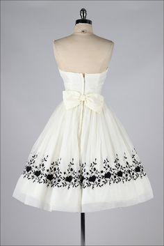 vestido vintage de los años 1950. Marfil por millstreetvintage