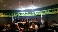 Foi formalizada hoje, 21, a criação da União dos Policiais do Brasil, entidade que reúne 27 instituições representativas de categorias da segurança pública, constituída para negociar com o governo a ...