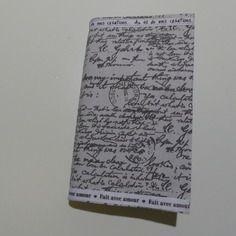 Protège livre de poche en tissus vintage style vieilles écritures