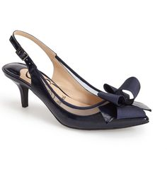 Main Image - J. Reneé 'Garbi' Pointy Toe Bow Pump (Women)