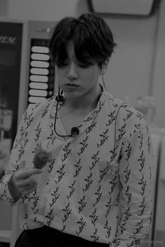 Jungkook Hot, Foto Jungkook, Foto Bts, Jung Kook, K Pop, Rapper, Bts Black And White, Bts Meme Faces, Jungkook Aesthetic