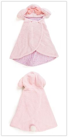 My Melody Blanket. If you wanna buy, contact: info@route19-store.com