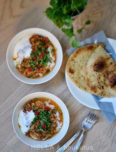 Intialainen linssiseos Dal on ollut kokattavien ruokien listallani jo pitkään. Linssit innostavat minua tällä hetkellä kovasti, sillä niis...
