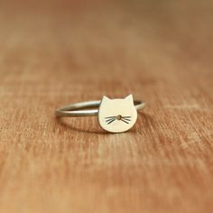 ::Very tiny cat ring of Sterling Silver. For cat lovers! Very light and perfect for every day! ♥ ::Matt finish. ::Measures: 0.31 x 0.35 inch (8 x