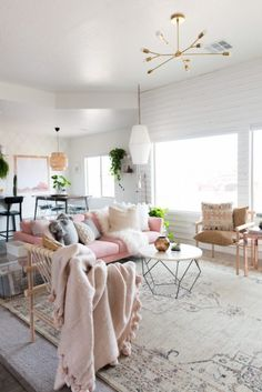 ❖ Dying for that BLUSH BLANKET! | via Planete Deco ❖
