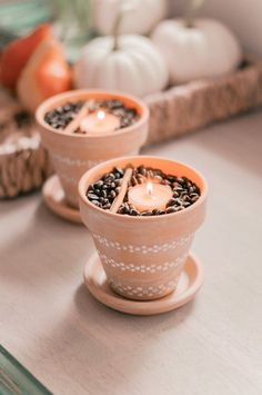 This Fall home decor DIY project is not only super easy, but it will make your home smell SO good th Fall Home Decor, Autumn Home, Cheap Home Decor, Diy Home Decor, Room Decor, Fall Scents, Home Scents, Farmhouse Side Table, Contemporary Home Decor