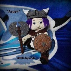 """Vikingo """"Asgeir""""(basado en la diseñadora Havva ünlü). #amigurumitoy  #amigurumis"""