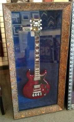 For all those #music lovers out there - how about a #customframed guitar?!? SO COOL!