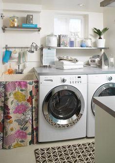 Cuarto de lavado ck Ikea rail system in laundry room