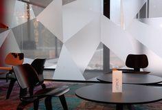 Triangulair vinyl on glass windows: