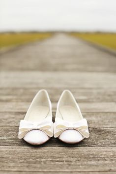 Adorable bridal shoes with bows from Something Bleu Shoes! Photo by Whitebox Photo | via junebugweddings.com