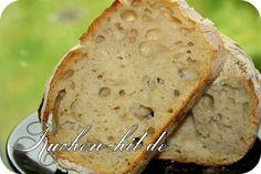 Schnelles Brot backen und das ohne Backautomat Ein Brot aus Dinkelmehl einfach lecker und gesund. Seit ich dieses Dinkelbrot Rezept entdeckt und ausprobiert habe, essen wir zu Hause kein anderes Brot mehr. Die Kruste ist knusprig und das Dinkelbrot herrlich im Geschmack, was ein wenig dem bekannten Ciabatta Brot ähnelt. Das Dinkelbrot ist mit sehr … Ciabatta, Bagel, Banana Bread, Desserts, Food, Bread Baking, Breads, Cake, Quick Bread