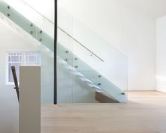Wonderful Futuristic Interior Design Concept Looking so Minimalist : Striking Contemporary Staircase Design Glass Balustrade Kitsilano Residence