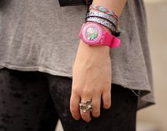 pink and glitter armparty