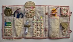 To have all the patchwork utensils at hand, practical and flirty costure … - Home & DIY Small Sewing Projects, Sewing Hacks, Sewing Crafts, Sewing Caddy, Sewing Kits, Quilt Patterns, Sewing Patterns, Coin Couture, Sewing Baskets