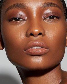 Clear skin, Bronze beauty makeup looks, Perfect summer glow, Jlo glow, beautiful… – Trend Today! Black Girl Makeup, Girls Makeup, Makeup Trends, Makeup Ideas, Fun Makeup, Cheap Makeup, Simple Makeup, Makeup Inspo, Beauty Skin