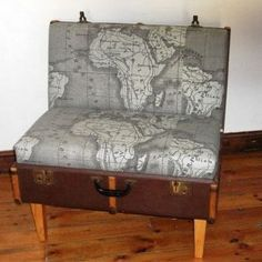 Creative Ways Of Re-Using Old Suitcases DIY Old suitcase 43 Incredible Ideas. Do not Throw Away Your Old SuitcasesDIY Old suitcase 43 Incredible Ideas. Do not Throw Away Your Old Suitcases Suitcase Chair, Vintage Suitcase Table, Furniture Projects, Diy Furniture, Handmade Furniture, Diy Projects, Handmade Home Decor, Diy Home Decor, Biedermeier Sofa